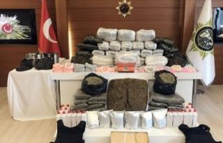 İstanbul'da uyuşturucu tacirlerine büyük...