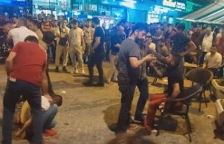 Kavgaya müdahale eden polise saldırıp, tabancasını...