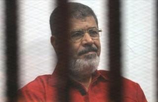 Mursi'nin defnedildiği mezarlığı sadece İsrail...