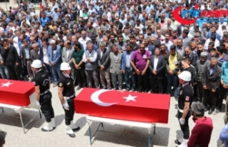 PKK'nın katlettiği yol yapım işçileri toprağa...