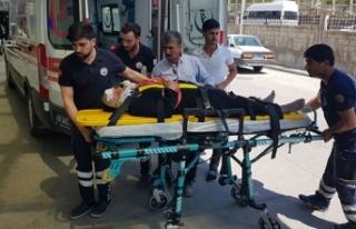 Siirt'te yolcu minibüsü ile otomobil çarpıştı:...