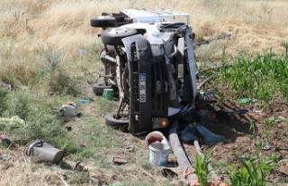 Tarım işçilerini taşıyan kamyonet devrildi: 5'i...