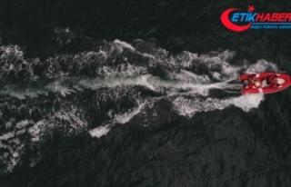 Tekneyle açıldıkları denizde kaybolan kişiyi...