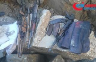 Teröristlerin toprağa gömdüğü silah ve mühimmat...