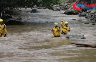 Trabzon Araklı'daki selde kaybolan 3 kişi aranıyor