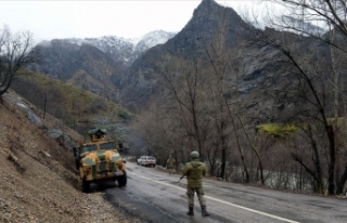 Tunceli'de mağarada kıstırılan 5 terörist...