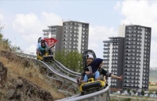 Türkiye'nin en uzun dağ kızağı parkı açıldı