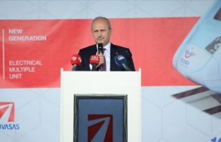 Ulaştırma ve Altyapı Bakanı Turhan: Milli sanayiye...