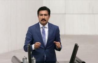 AK Parti Grup Başkanvekili Cahit Özkan kaza geçirdi