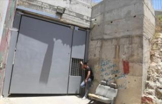 Ayrım Duvarı'nın tecrit ettiği Filistinli...