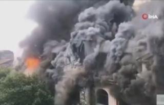 Çin'de 100 yıllık otelde büyük yangın