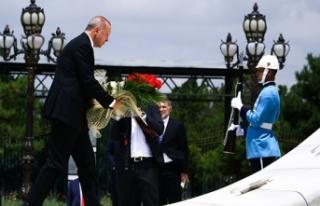 Cumhurbaşkanı Erdoğan, Şehitler Anıtı'na...