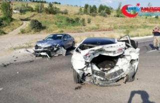 D-100'de kaza: 5 yaralı