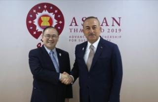 Dışişleri Bakanı Çavuşoğlu Filipinli mevkidaşı...