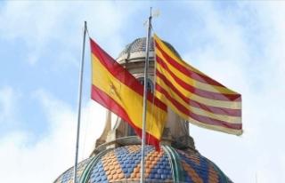 İspanya'da yolsuzlukla suçlanan emerit Kral...