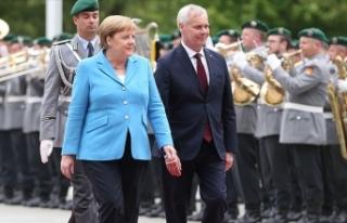 Merkel yine titreme nöbeti geçirdi