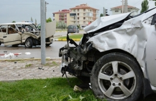Mersin'de zincirleme kaza: 8 yaralı