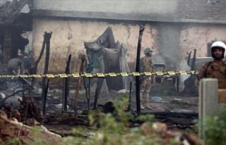 Keşmir sınırında açılan ateşte Pakistan askeri...