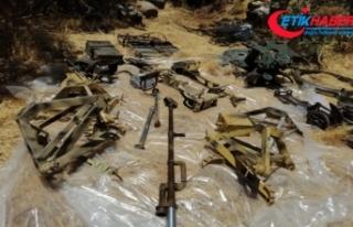 Pençe-2 Harekâtı'nda doçka silahı ile mühimmatlar...