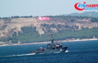 Rus donanmasına ait savaş gemisi Çanakkale'den...