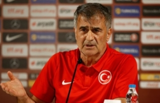 Şenol Güneş, Türk takımlarının hazırlık maçlarını...