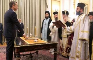 Yunanistan'da yeni başbakan Miçotakis görevi...