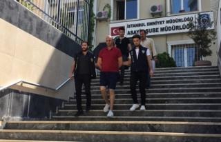 Zeytinburnu'nda bir AVM'de yaşanan hırsızlık...