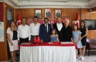 Antalya Kepez'de İP'den istifa eden 20...