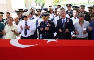 Bakan Akar, trafik kazasında vefat eden emekli Tuğgeneral'in...