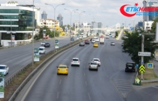 Bayram tatili nedeniyle İstanbul boşaldı, trafik...