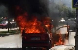 Bursa'da otomobil alev alev yandı, 3 kişi ölümden...