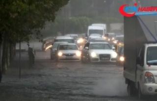 İstanbul Valiliğinden şiddetli yağışa ilişkin...