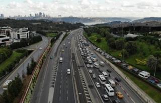 İstanbul'da tatil dönüşü trafik havadan...