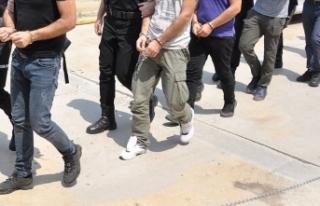 İzmir'de FETÖ'nün hücre evlerine operasyon:...