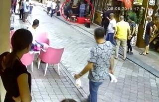 Kadınların cadde üzerindeki 'eş' kavgası...