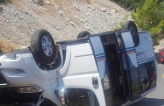 Marmaris'te yolcu minibüsü kaza yaptı; 11...