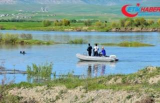 Murat Nehrine giren 4 çocuk boğuldu