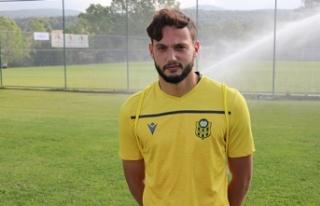 Yeni Malatyaspor'da genç futbolcu Özer Özdemir,...