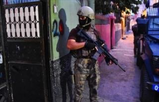 Adana'da polise yönelik saldırı önlendi:...