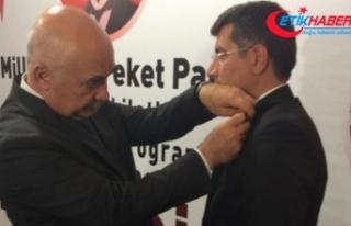 Bursa'da partilerinden ayrılan 2 bin 500 kişi...