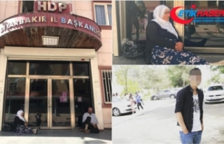 Diyarbakır'da bir anneden daha HDP önünde...
