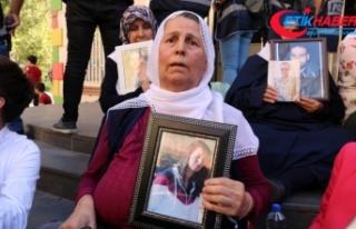 HDP önünde eylem yapan ailelerin sayısı 24'e...