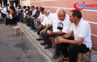 HDP önünde eylem yapan ailelerin sayısı 25'e...