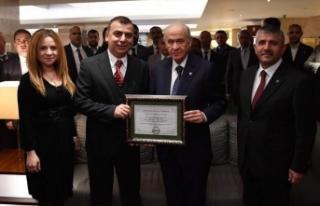 MHP Lideri Devlet Bahçeli'yi Anlatan İlk İngilizce...