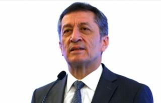 """Bakan Selçuk'tan """"Barış Pınarı Harekatı""""..."""