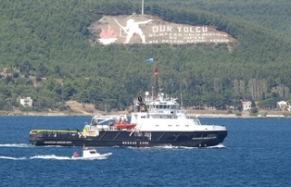 Rus römorkörü Çanakkale Boğazı'ndan geçti