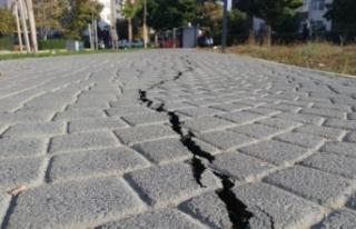 Silivri'de deprem öncesi olan çatlaklar deprem...