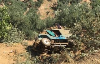 Tarım işçilerini taşıyan araç uçuruma yuvarlandı;...