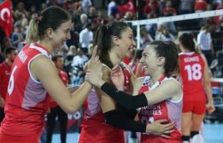 Türkiye filede 16 yıl sonra final peşinde