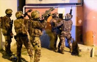 Adana'da DEAŞ'a şafak operasyonunda 9...